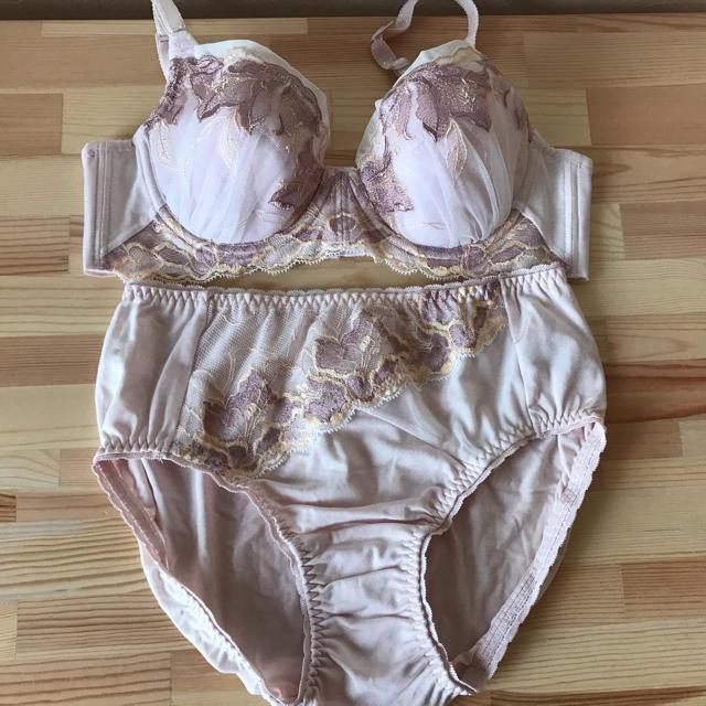 シャルレ(シャルレ)のシャルレ パレッティ セット レディースの下着/アンダーウェア(ブラ&ショーツセット)の商品写真