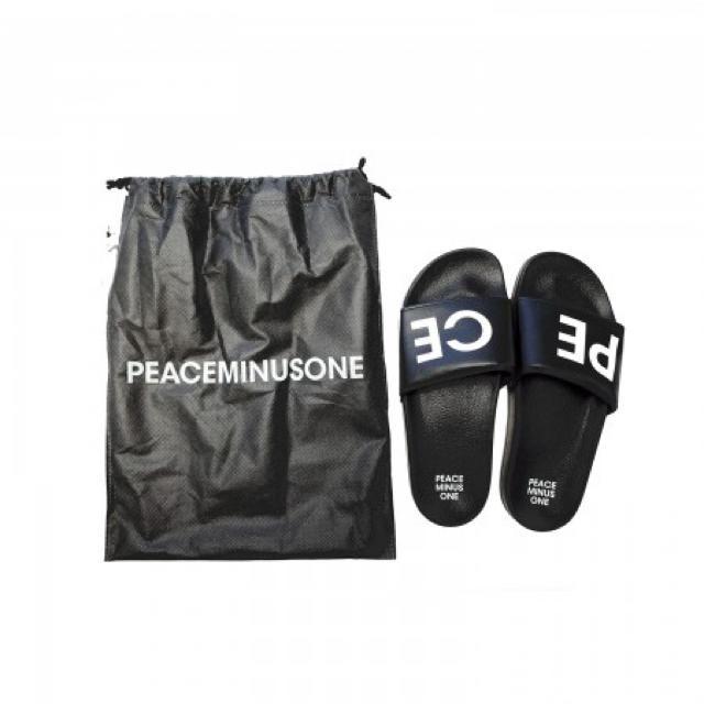 PEACEMINUSONE(ピースマイナスワン)のG-DRAGON PEACEMINUSONE SLIPPER メンズの靴/シューズ(サンダル)の商品写真