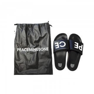 PEACEMINUSONE - G-DRAGON PEACEMINUSONE SLIPPER