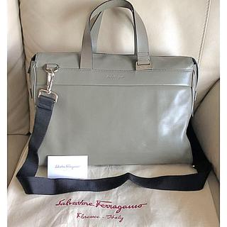 Salvatore Ferragamo - フェラガモ 2way ショルダーバック ビジネスバック(袋付)