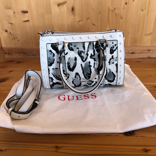 GUESS - guess ハンドバッグ