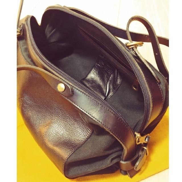 IL BISONTE(イルビゾンテ)の『送料込+専用袋付◇イルビゾンテ◇』キャンディトート♪春のお出掛けに。 レディースのバッグ(ハンドバッグ)の商品写真