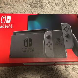ニンテンドースイッチ(Nintendo Switch)のニンテンドーSwitch グレー 新型(家庭用ゲーム機本体)