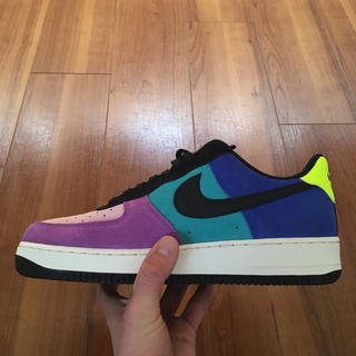 NIKE - NIKE AIR FORCE 1 '07 LV8 PRISM