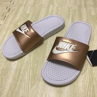 NIKE - 23cm【新品】NIKE ベナッシ  サンダル ブロンズ