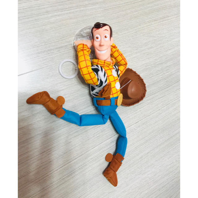Disney(ディズニー)のトイストーリー♡車、ぶらさがり人形❗️ウッディ♡固定留め具付き!ディズニー 自動車/バイクの自動車(車外アクセサリ)の商品写真