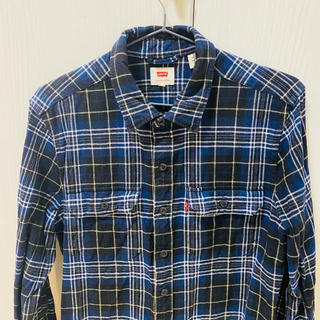 Levi's - リーバイスの紺色チェックシャツ