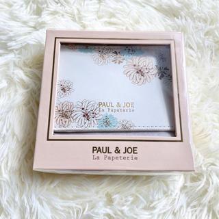 PAUL & JOE - 【新品】Paul & JOE パスケースクリザンテーム・ホワイト ラ・パペトリー