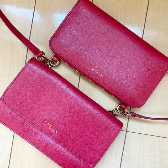 Furla(フルラ)のFURLAウォレットポーチ レディースのバッグ(ショルダーバッグ)の商品写真