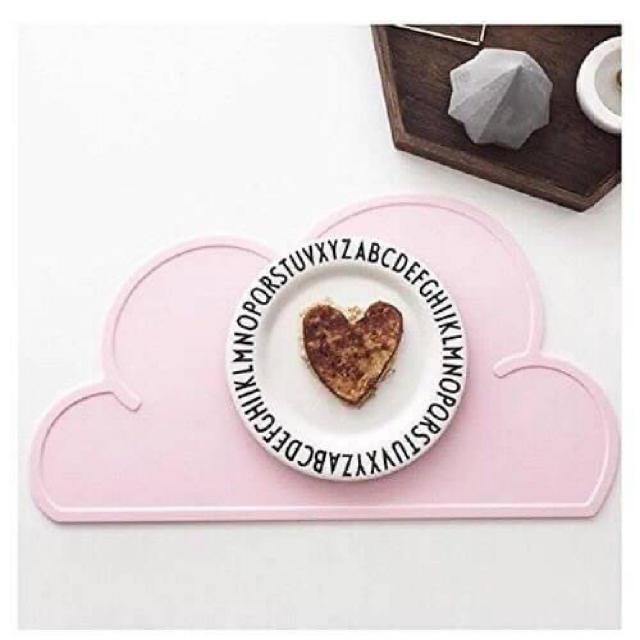 新品♡シリコンランチョンマット ピンク   キッズ/ベビー/マタニティの授乳/お食事用品(離乳食器セット)の商品写真