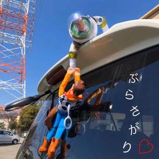 Disney - トイストーリー♡車 ぶらさげ人形❗️ウッディ&バズ♡固定留め具付き!ディズニー