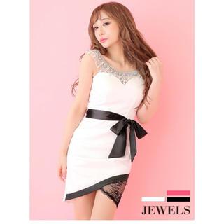 ジュエルズ(JEWELS)のジュエルズ ミニドレス ビジューデザイン ホワイト 白 ウエストリボン レース(ナイトドレス)