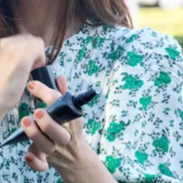 ZARA(ザラ)のインスタでも大人気♡大人可愛い♡フラワープリント♡ワンピース レディースのワンピース(ロングワンピース/マキシワンピース)の商品写真