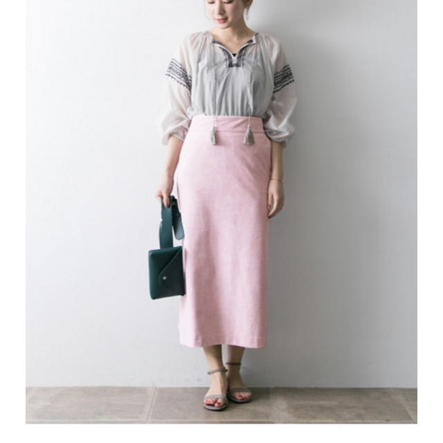 URBAN RESEARCH(アーバンリサーチ)のURBAN RESEARCH フェイクスエードカラーロングスカート  値下げ レディースのスカート(ロングスカート)の商品写真