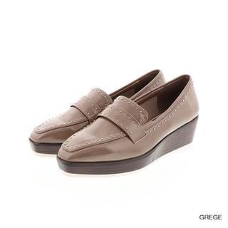 ランダ(RANDA)のスタッズスクエア厚底ローファー  (ローファー/革靴)