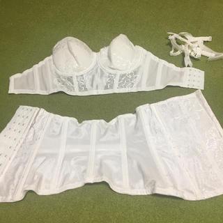 トリンプ(Triumph)の結婚式 ドレス下着 (ブライダルインナー)