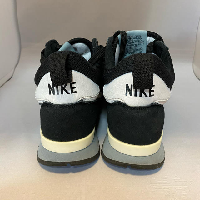NIKE(ナイキ)のNIKE ナイキ インターナショナリスト レディースの靴/シューズ(スニーカー)の商品写真