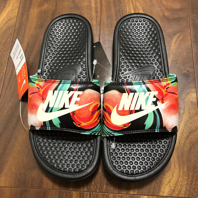 NIKE(ナイキ)のNIKE  レディース ベナッシ サンダル レディースの靴/シューズ(サンダル)の商品写真