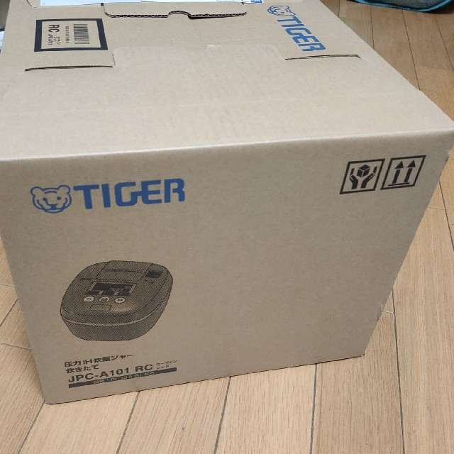 TIGER(タイガー)のタイガー圧力IH 炊飯器 JPC-A101 未使用・未開封品 レッド スマホ/家電/カメラの調理家電(炊飯器)の商品写真
