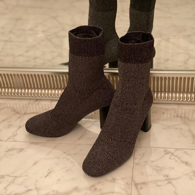 ZARA(ザラ)のZARA size37 レディースの靴/シューズ(ブーツ)の商品写真