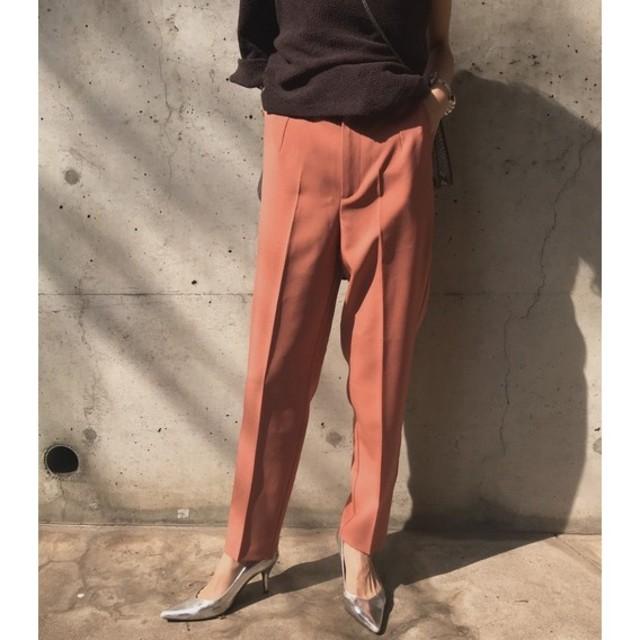 Ameri VINTAGE(アメリヴィンテージ)の新品タグ付き アメリヴィンテージ サーモンピンクパンツ レディースのパンツ(カジュアルパンツ)の商品写真