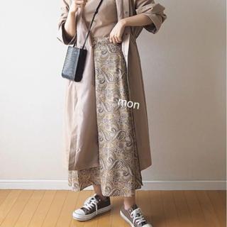 しまむら - しまむら♡プチプラのあやコラボ♡ペイズリースカート♡中肌色
