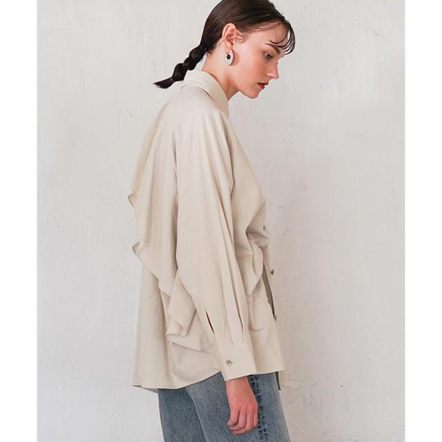 CLANE  バッグフリルシャツ 新品未使用 アイボリー 完売品 レディースのトップス(シャツ/ブラウス(長袖/七分))の商品写真
