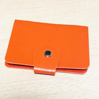 セール! 24枚収納可 コンパクト カードケース 橙(名刺入れ/定期入れ)