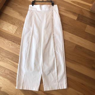 Noble - NOBLE ハリ感のあるタック入り白パンツ