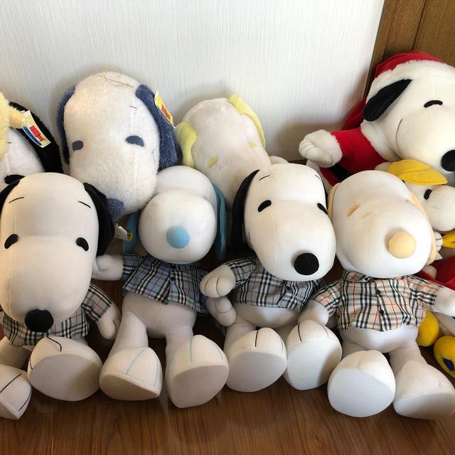 SNOOPY(スヌーピー)のスヌーピージャンボぬいぐるみ セット エンタメ/ホビーのおもちゃ/ぬいぐるみ(ぬいぐるみ)の商品写真