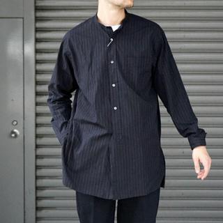 COMOLI - comoli コモリ バンドカラーシャツ chalk stripe 2019aw