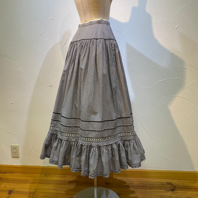 PINK HOUSE(ピンクハウス)のピンクハウス ギンガムチェックティアードスカート レディースのスカート(ロングスカート)の商品写真