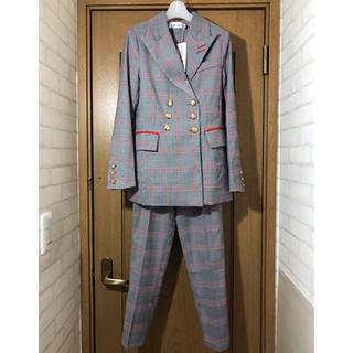 新品タグ付き パンツスーツ