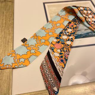 TOMORROWLAND - フラワープリント タイニースカーフ オレンジ ノーブランド品