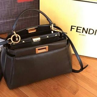 FENDI - フェンディ ミニピーカブー アイコニック ナッパ 黒 ブラック