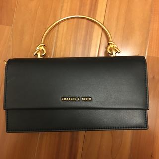 チャールズアンドキース(Charles and Keith)の日本未入荷 Metallic handle Long wallet (ハンドバッグ)