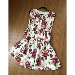 L'EST ROSE - 花柄ブラウス×スカート セットアップ