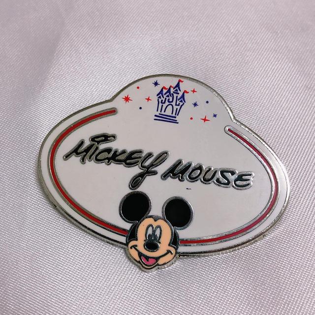 Disney(ディズニー)のミッキー ピンバッジ ネームタグ ディズニーランド エンタメ/ホビーのおもちゃ/ぬいぐるみ(キャラクターグッズ)の商品写真