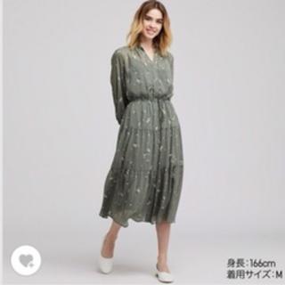 ユニクロ(UNIQLO)の新品タグ付き♡シフォンギャザープリントワンピース(ひざ丈ワンピース)