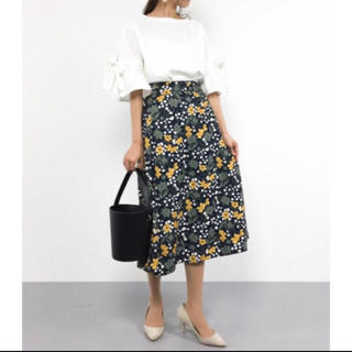 Mila Owen - 花柄巻きスカート