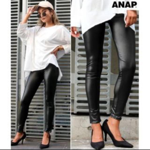 ANAP(アナップ)のANAP レザータッチレギンス  レディースのレッグウェア(レギンス/スパッツ)の商品写真