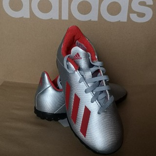 adidas - 【新品未使用】アディダス ジュニア サッカーシューズ  [ 18センチ ]