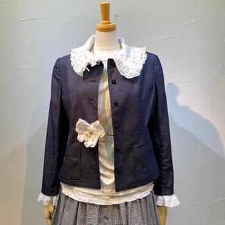 ピンクハウス(PINK HOUSE)のピンクハウス 白の飾り衿&袖口飾り&開き留付きジャケットとても綺麗です。(Gジャン/デニムジャケット)