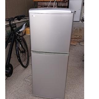 サンヨー(SANYO)の小型2ドア冷蔵庫(冷蔵庫)