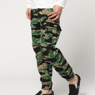 アベイシングエイプ(A BATHING APE)のBAPE tiger camo pants(ワークパンツ/カーゴパンツ)