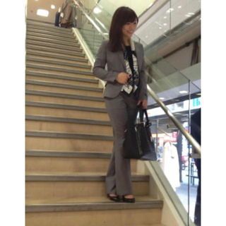 THE SUIT COMPANY - 美品 春夏用 スーツカンパニー グレー パンツスーツ 36