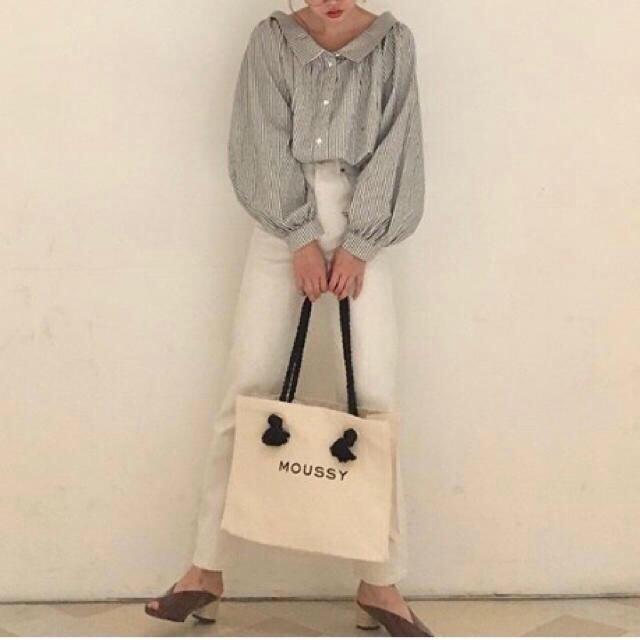 moussy(マウジー)のホワイト♡MOUSSYキャンバストートバッグ♡ショッパー型トートバック♡新品 レディースのバッグ(トートバッグ)の商品写真