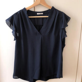 HONEYS - 袖フリル シフォンブラウス 半袖 紺色 Vネック Tシャツ