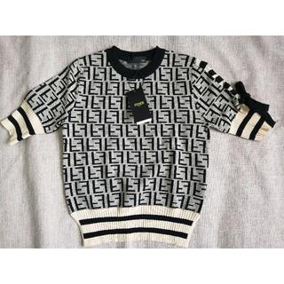 FENDI - 素敵!Fendiフェンディ  ニット Tシャツ 半袖セーター