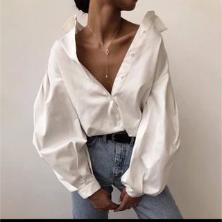 新品🌸スプリングランタン袖ホワイトシャツ